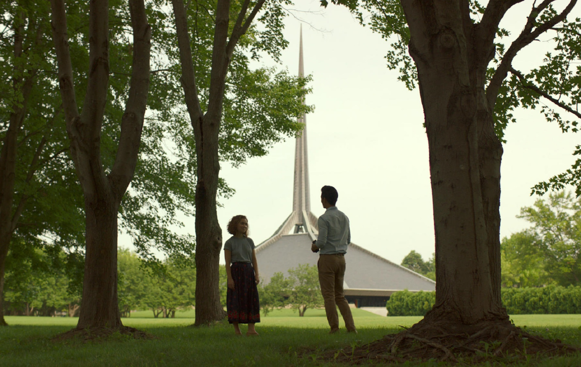 Haley Lu Richardson und John Cho in Columbus; Copyright: Superlative Films