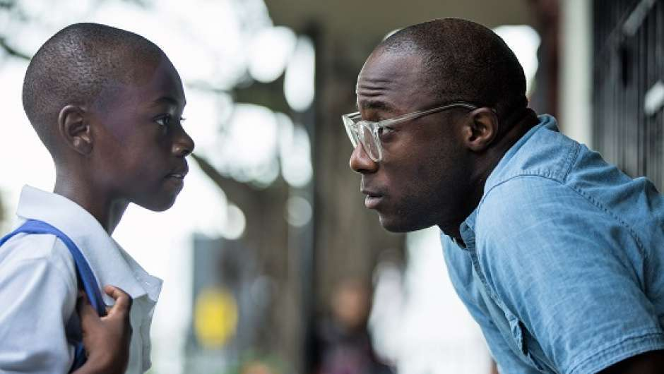 Barry Jenkins mit Alex Hibbert; Copyright: A24 / DCM