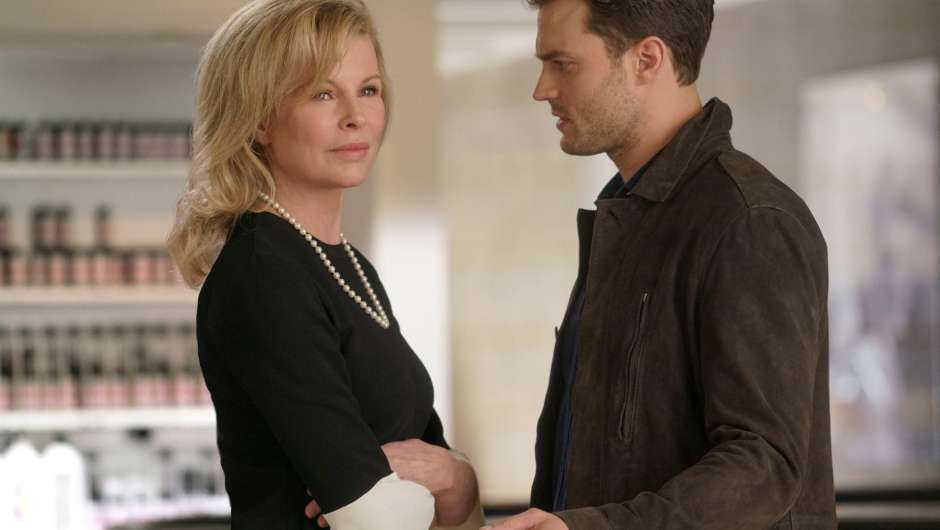Kim Basinger und Jamie Dornan in Fifty Shades of Grey 2