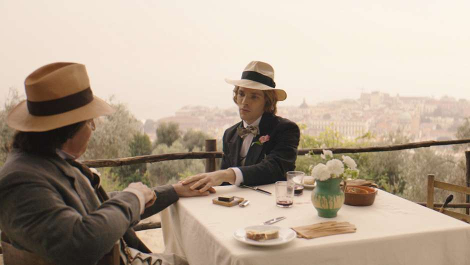 Filmstill zu The Happy Prince (2018)