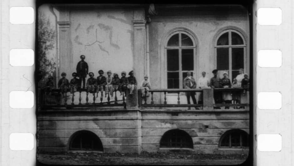 Filmstill zu The Anniversary of the Revolution (1918)
