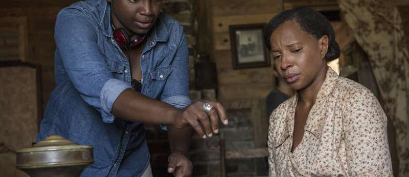 Dee Rees am Set von Mudbound
