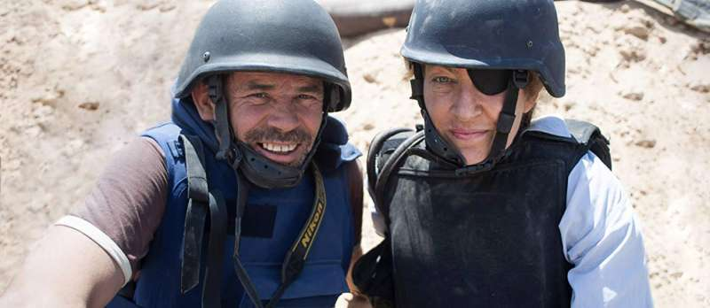 Bild zu Under the Wire von Chris Martin