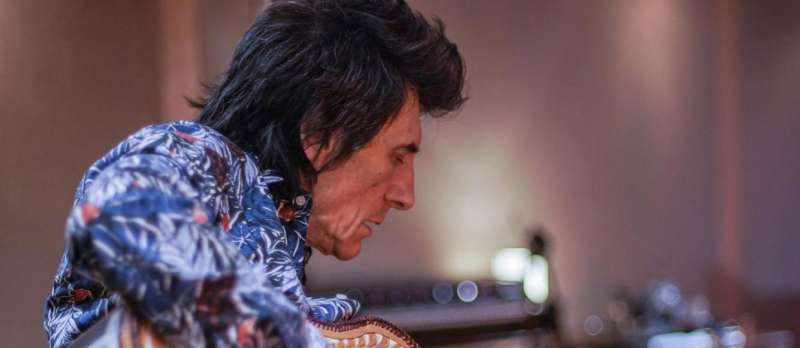 Filmstill zu Ronnie Wood: Somebody Up There Likes Me (2019) von Mike Figgis
