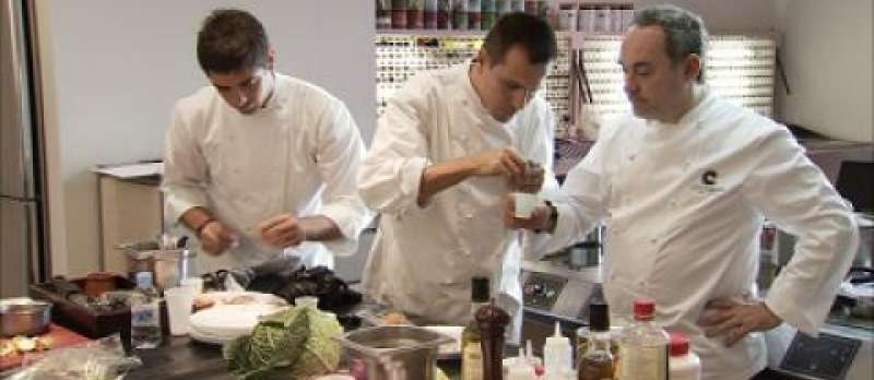 El Bulli - Cooking in Progress  von Gereon Wetzel